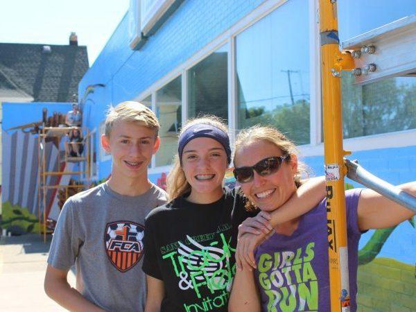 neighborhood revitalization mural volunteers