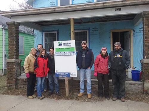 habitat home repair volunteers